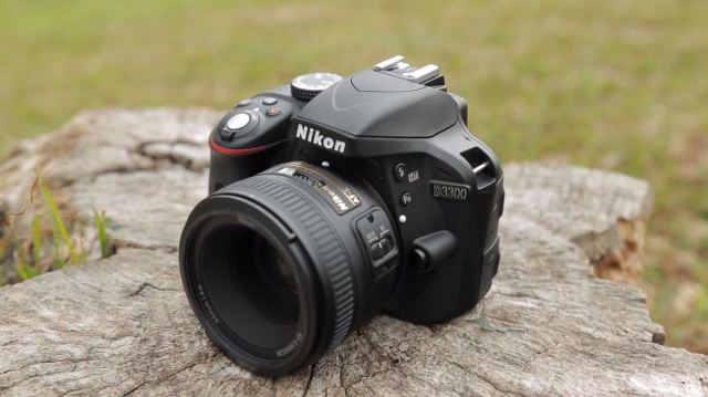 Самая лучшая цифровая зеркальная камера APS-C для новичков Nikon D3300