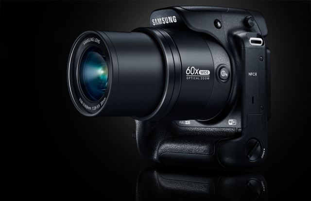 Samsung WB2200F объектив