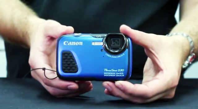 Canon PowerShot D30 - водонепроницаемая камера способная погружаться на 25 метров под воду