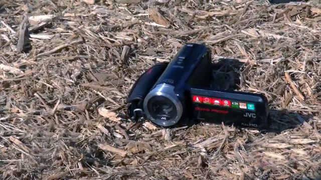 Лучшая водонепроницаемая видеокамера 2014 года JVC Everio GZ-R70/R10 Quad-Proof