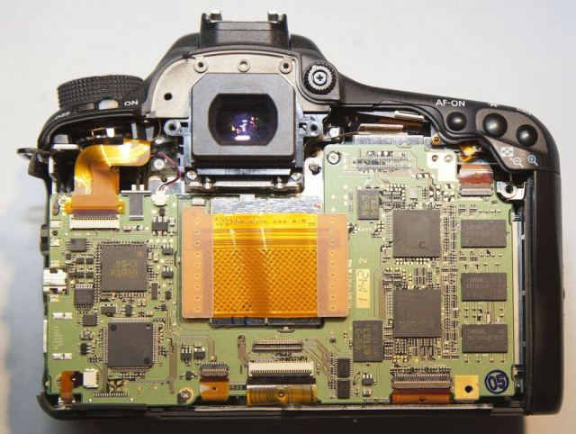 Canon 7D вид сзади без экранирования