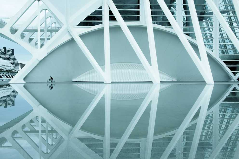 (c) Vicente Moraga Costoso, Spain, Entry, Open Compeition, 2015 Sony World Photography Awards 'Rhapsody in blue' by Vicente Moraga Costoso Image taken in Santiago Calatrava