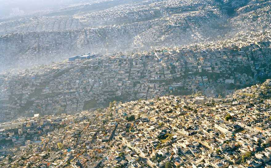 the problems of mexico city The rapidly growing mexico city of the second half of the 20th century could not respond adequately to the mounting needs for housing and urban space.