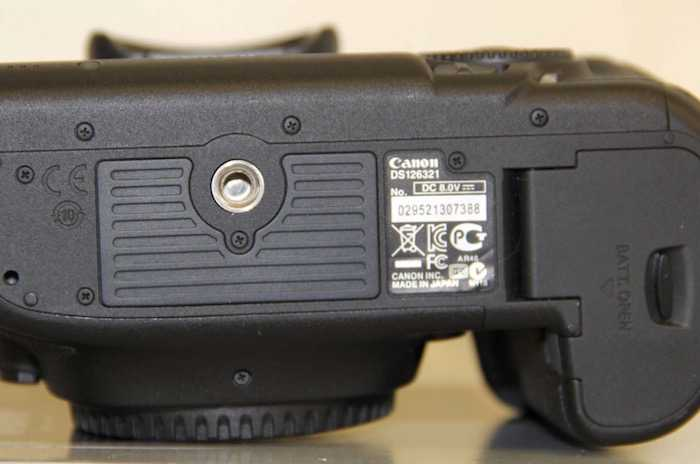 Canon-5D-Mark-III-Counterfeit-Serial-Number