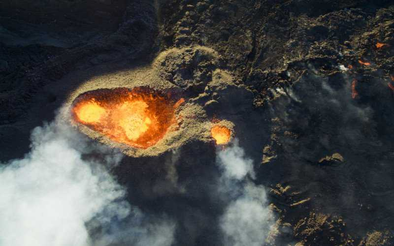 3rd-prize-winner-category-nature_wildlife-piton-de-la-fournaise-volcano-by-jonathan-payet-800x500