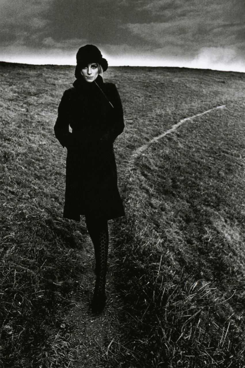 jeanloup-sieff-lady-in-black-1368264658_org