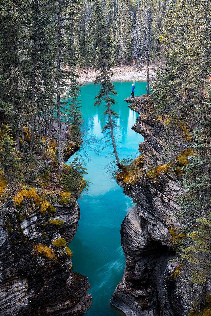 cliff-athabasca-falls-1-of-1-5863d1d4ee320__880