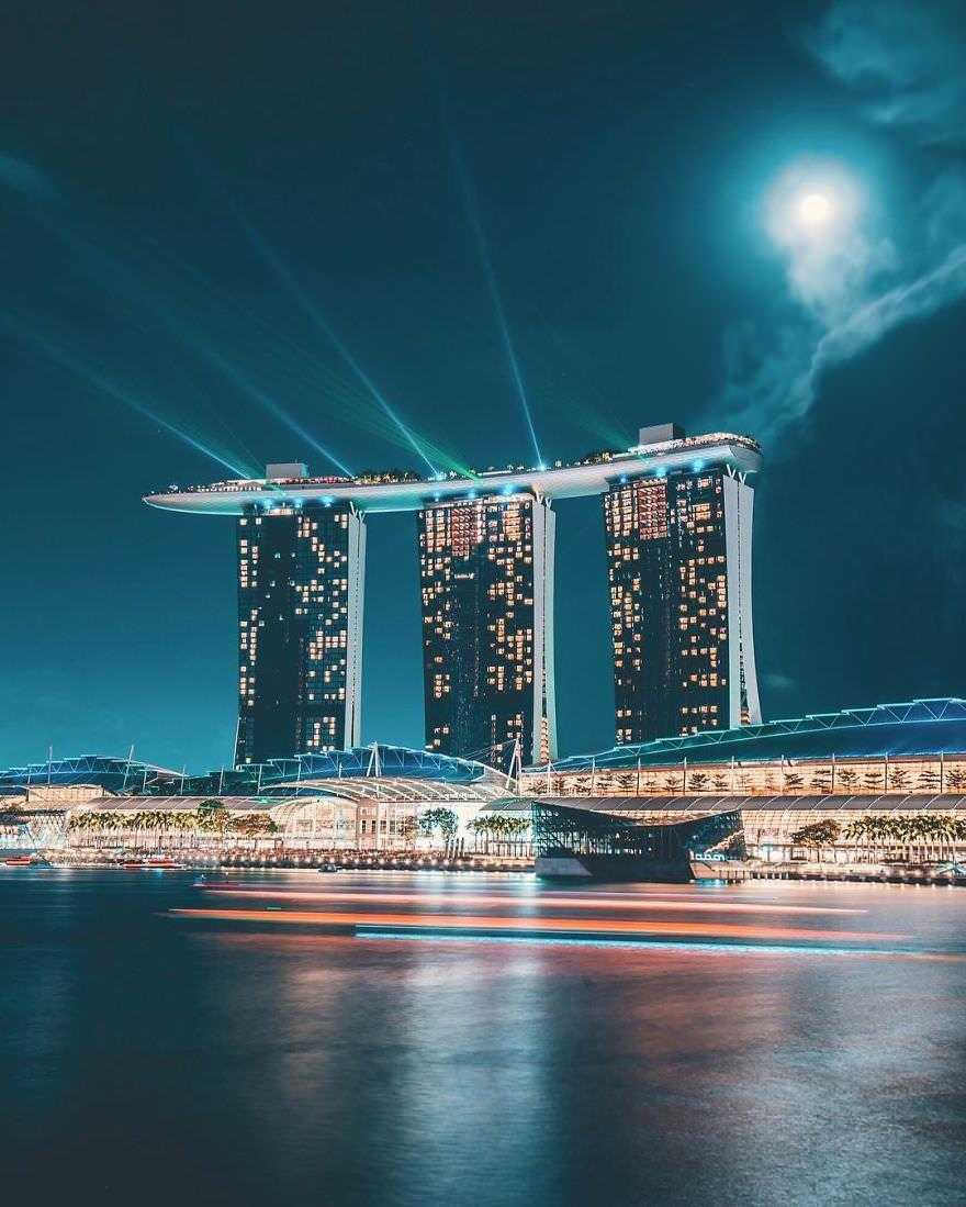 Incredible-views-of-the-country-that-leapt-from-the-third-world-to-the-first-within-one-generation-Singapore-5891905e3d456__880