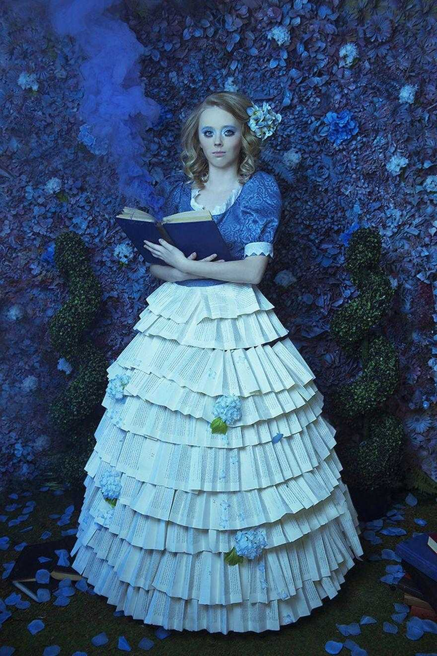 Watch-this-inspiring-video-to-learn-how-this-photographer-created-fairy-tales-in-her-small-attic-587f6d6fe680d__880