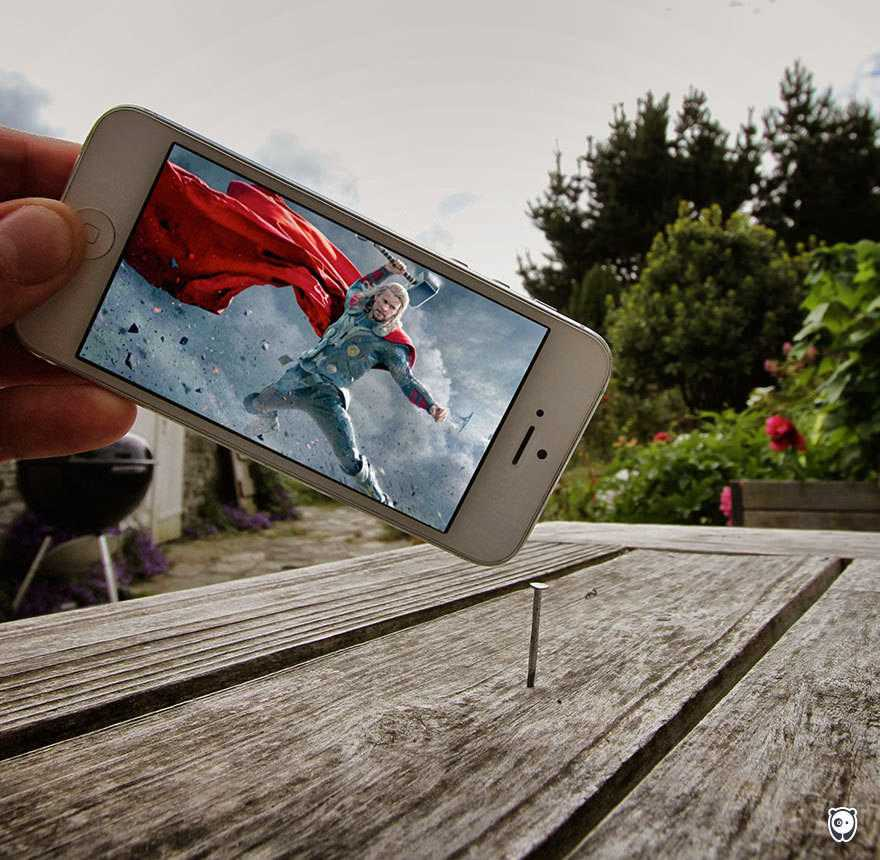 I-Insert-Movie-Scenes-Into-Real-Life-Situations-Using-My-Iphone-58aad73a4b12a__700