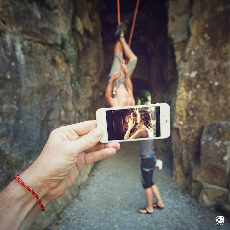 I-Insert-Movie-Scenes-Into-Real-Life-Situations-Using-My-Iphone-58aad74305daa__700