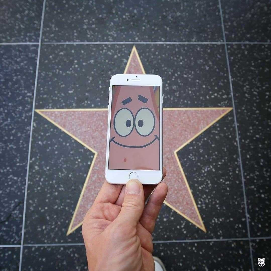 I-Insert-Movie-Scenes-Into-Real-Life-Situations-Using-My-Iphone-58aad9dace5dd__700