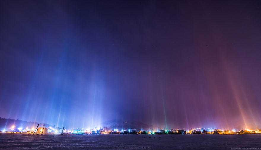 I-shot-extremely-rare-atmospheric-phenomenon-called-Light-Pillars-58a883dcbbac2__880