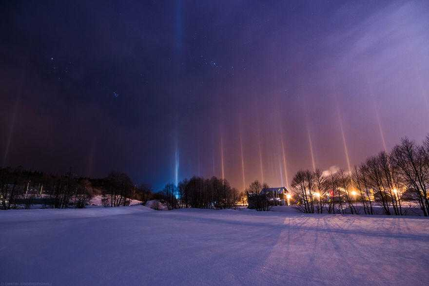 I-shot-extremely-rare-atmospheric-phenomenon-called-Light-Pillars-58a883f3aa9f3__880