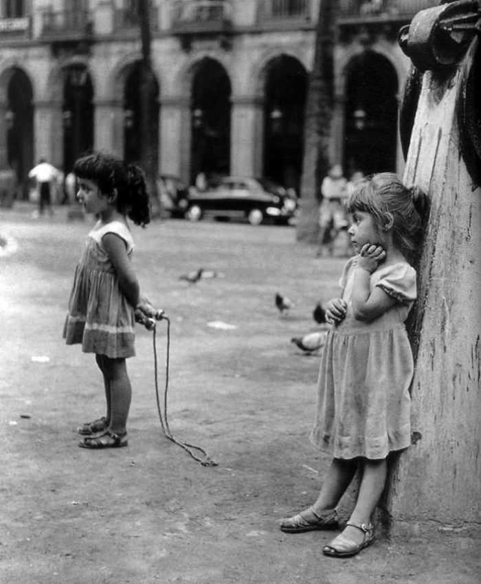 historical-children-playing-photography-18-589dbeeeabc0c__700