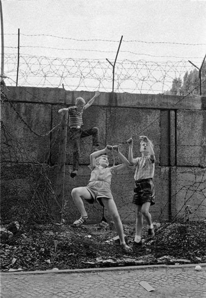 historical-children-playing-photography-58a4590a23636__700