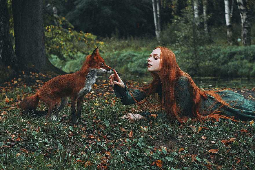 Girl_and_Fox_Alexandra_Bochkareva-5-58e3614b146b0__880