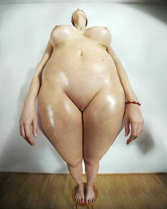 distorted-female-proportions-human-dilatations-roger-weiss-53-591028345ddd8__700