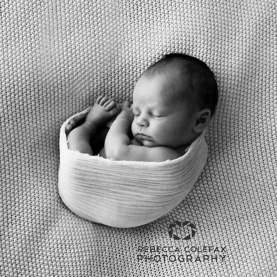 Photographer-takes-pictures-of-babies-as-never-seen-before-5922b2b9cbf08__880