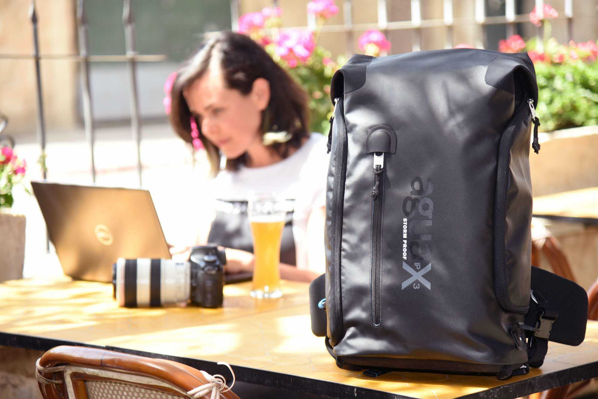agua versa backpack_table