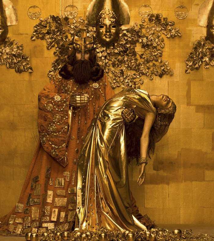 gustav-klimt-famous-paintings-real-life-models-photographer-inge-prader-10-59b0f47257e1d__700