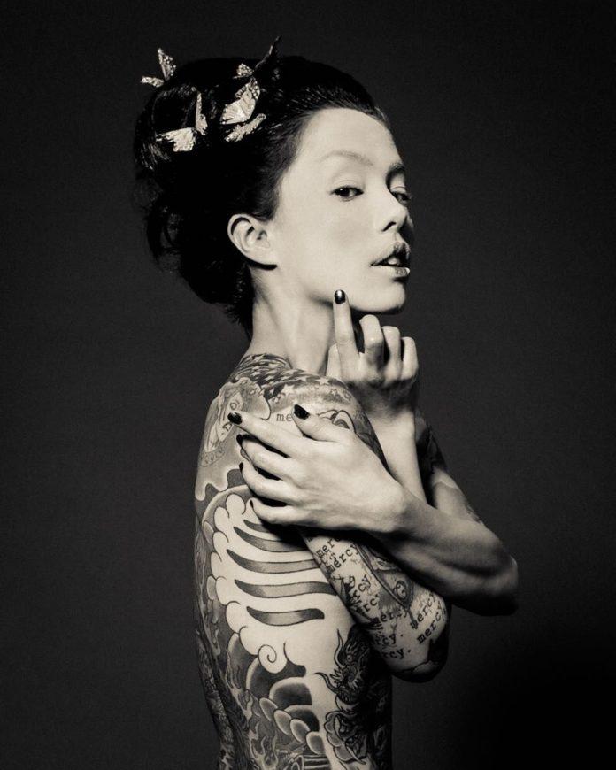 «Чернильные истории» фотопроект Reka Nyari - Photar.ru